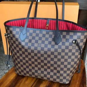Louis Vuitton Neverfull Damier MM - Like new!